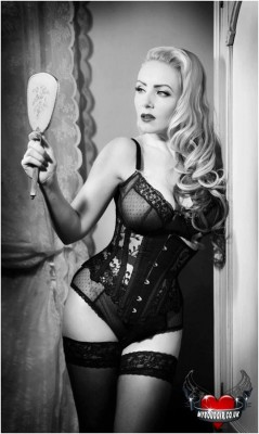 Wyte Phantom black lace sheer underbust. Model: October DiVine. Photo: My Boudoir