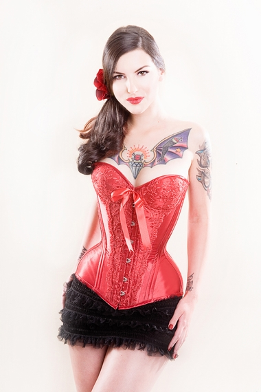 how to make a corset with cups